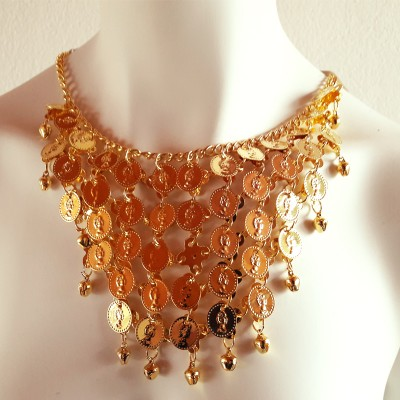 Halsketting en oorbellen goud